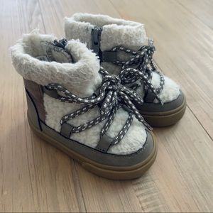 H&M   Brown Shearling Baby Infant Boots